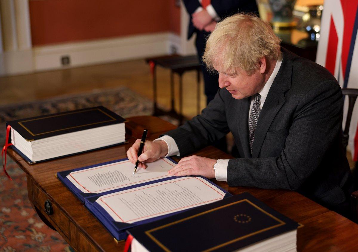 """英国议会批准脱欧贸易协议!新年钟声敲响后 英欧将正式""""分手"""""""